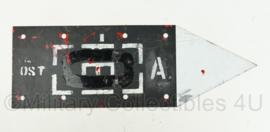 Defensie bord met pijl en tactisch teken - ouderdag A.CIE -  60 x 20 cm - origineel