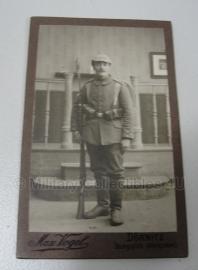 Duitse WO1 pasfoto van soldaat op origineel kaartje - 7 x 10,5 cm. - origineel