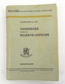 MVO Handboek voor de Reserve Officier 1958  - VS2/1352 - afmeting 15 x 22 cm - origineel