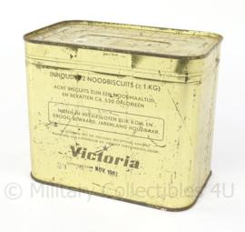 KL Landmacht Victoria Noodbiscuits rantsoen biscuit blik 1 kg - nog geseald en gevuld - 1961 - origineel