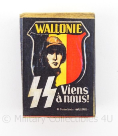 WO2 Duits luciferdoosje van echt hout - SS Freiwilligen Legion Wallonie - afmeting 5,5 x 4 cm - replica
