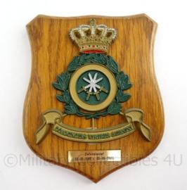 KM Marine wandbord Defensiestaf - Coniunctus Viribus Subnixi - afmeting 14 x 17 x 1,5 cm - origineel