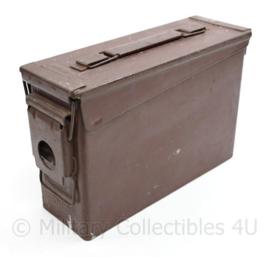 Defensie Munitiekist  van maker EMCO voor 250 patronen in band - 9,5 x 17,5 x 25,5 cm- origineel