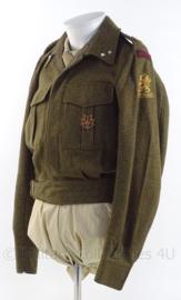 """MVO uniform jas """"veldartillerie"""", """"Regiment van Essen"""" - rang """"Eerste Luitenant"""" - met MVL speld - maat 49 - origineel"""