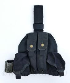 Politie en Kmar MP5 EAGLE Leg panel met MP5 magazijntassen black  - 24 x 37 x 5 cm- origineel