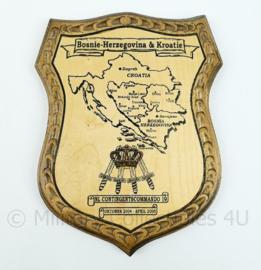 NL Contingentscommando 19 wandbord - Bosnië-Herzegovina & Kroatië - afmeting 23 x 16,5 x 1,5 cm - origineel