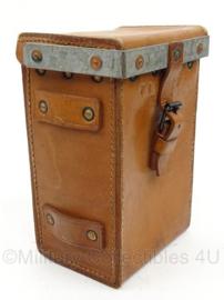 Vickers Mitr. Lederen bruine toolbox voor de Vickers MG .303 inch mitrailleur - origineel