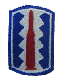 US Army 197th Infantry Brigade patch - cut edge - 7,5 x 4,8 cm - origineel