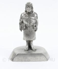 Metalen beeldje van Nederlandse vrouwelijke Politie agent - Made in Holland - 8,5 x 6 x 4 cm - origineel