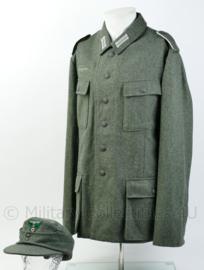 Topkwaliteit wo2 Duits heer M43 feldhose met M43 feldmutze van exact dezelfde stof  - maat jas Large / pet 60 - Replica