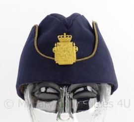 Noorse leger schuitje met metalen insigne - maat 57 - origineel