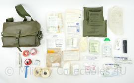 KL Defensie rubberized tas geneeskundige dienst met volledige inhoud - 21 x 28 x 11 cm - licht gebruikt - origineel