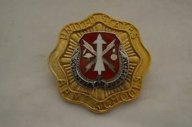 United States Army School Missile And Munitions Center And School Borst insigne metaal 5 x 5 cm. - origineel