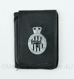 Britse Politie brevet in lederen houder Northumbria Police - 11 x 8,5 cm - origineel
