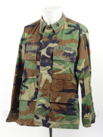 US Army woodland BDU jas Intelligence met insignes - maat Medium-short - origineel