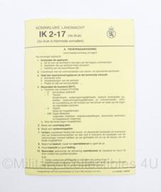 Instructiekaart Koninklijke Landmacht IK 2-17 Troepenaanvoering - 18 x 12,5 cm - origineel