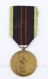 """Belgische """"De gewapende weerstand 1940-1945"""" Resistere 1940-1945 brons medaille - Origineel"""