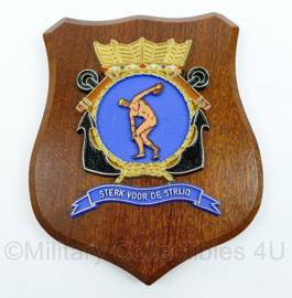 """Koninklijke Marine wandbord - """"Sterk voor de strijd"""" - Embleem fysieke trainingen en sport - afmeting 17,5 x 14 x 1 cm - origineel"""