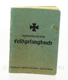 WO2 Duits Feldgesangbuch - 1942 - met persoonlijke boodschap - afmeting 7 x 11 cm - origineel