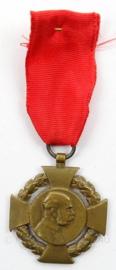 WO1 Oostenrijkse Medaille met lintje - Franz Jozef 1848-1908 - afmeting 3,5 x 9 cm - origineel