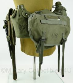 Vietnam oorlog uitrusting set - met originele klapschep en hoes - Replica