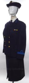 KM Koninklijke Marine DAMES uniform SET jasje, rok en hoed - met originele medaille balkjes - maat 40 - origineel