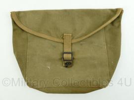 US Army WO2 messkit pouch voor op de haversack of los - 1943 Britisch made - groen - 26 x 23 x 0,5 cm - origineel
