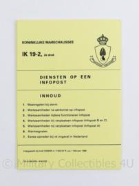 Kmar Koninklijke Marechaussee IK  19-2 diensten op een infopost - -  origineel