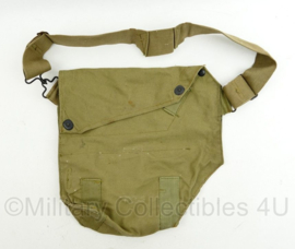 WO2 US Army Gas Mask Bag M9 - Reconditioned for training - 34 x 33 x 7 cm - origineel