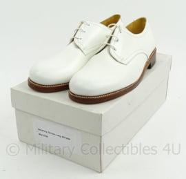 KM Koninklijke Marine Tropen schoenen wit, LEREN ZOOL RUBBER INZET - NIEUW in doos - zeldzaam - maat  8,5b = 42,5 breed / 9M= 43m / 270B = 43B / 9,5m = 43,5m / 290B - origineel