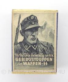 WO2 Duits luciferdoosje van echt hout - Waffen SS Gebirgstruppen - afmeting 6 x 4 cm - replica