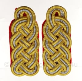 Generaal schouderstukken set Goud/Zilver (model na 1941) - Heer (rode ondergrond)