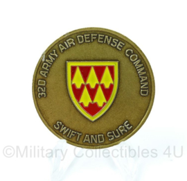 US Army Coin 32d Army Air Defence command swift and sure  - origineel