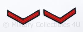 KM Koninklijke Marine arm rangemblemen paar - rood op zwart - Matroos der 2e klasse - 8,5 x 4 cm - origineel