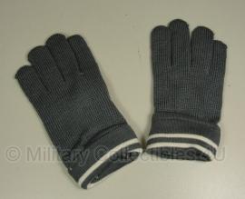 WO2 Duits model handschoenen - grijs wol - maat L of XL - witte streep
