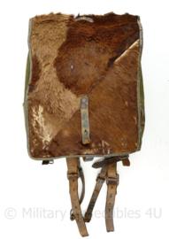 Wo2 Duitse Affe rugzak met paardenhaar - met draagriemen - Rbnr gestempeld -  36 x 28 x 13 cm - origineel