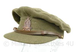 Wo2 Royal Canadian Infantry visor cap met insigne - met gaatjes - maat 6 7/8 - origineel