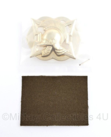 Defensie baret insigne Fortificatien 2015 - nieuw in de verpakking - 7 x 5 cm - origineel