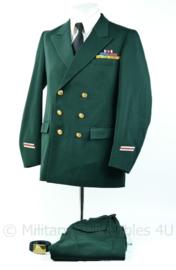 Belgisch leger DT uniform set geneeskundige dienst met veel medaille balken - maat 9 - Origineel