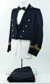 Korps Mariniers avondbaadje met broek en gilet - gilet & jas maat M , broek maat 53 - rang Kapitein der Mariniers - Origineel