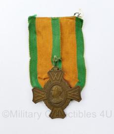 Koningin Wilhelmina onderscheiding voor krijgsverrichtingen - origineel