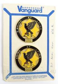 US Army 1st Cavalry unit crest Regiment insigne set - maker Vanguard - op origineel karton - doorsnede 3 cm - originele set