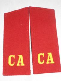 Russische rode CA schouderstukken, per paar
