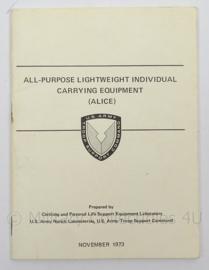 Us Army naslagwerk Alice Equipment 1973 Manual - afmeting 15 x 11,5 cm - origineel