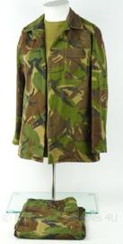 KL Landmacht oefen woodland jas en broek simpel - gebruikt - maat jas 164 - origineel