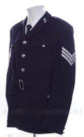 Britse zwarte politie uniform jas met insignes - Antiek model - maat m28 b - origineel