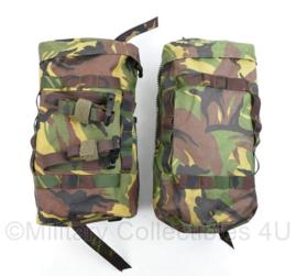 Defensie Woodland rugzak zijtassen paar voor 60 Liter rugzakken - nieuw -  inhoud 10 Liter per stuk - origineel