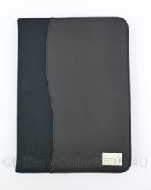 Kmar Marechaussee schrijfmap A4  - 33 x 23,5 x 1,5 cm - NIEUW -  origineel