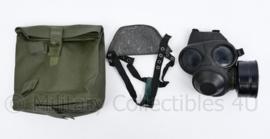 Nederlands leger gasmasker met mondkapje en draagtas- 25x26x12 cm  - origineel