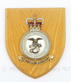 Britse Royal Air Force Personnel and Training Command wandbord - 18 x 15 x 1,5 cm - nieuw - origineel